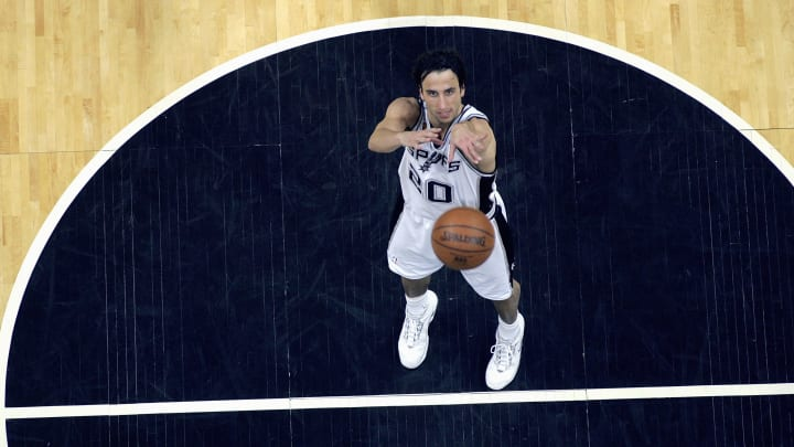 San Antonio Spurs legend Manu Ginobili shoots a pivotal free throw. (Photo by Stephen Dunn/Getty Images)