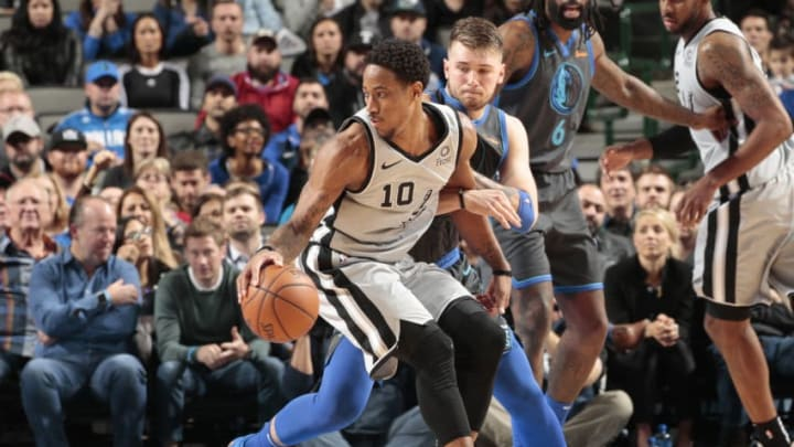 DALLAS, TX - JANUARY 16: DeMar DeRozan #10 of the San Antonio Spurs handles the ball against the Dallas Mavericks on January 16, 2019 at the American Airlines Center in Dallas, Texas. NOTE TO USER: User expressly acknowledges and agrees that, by downloading and or using this photograph, User is consenting to the terms and conditions of the Getty Images License Agreement. Mandatory Copyright Notice: Copyright 2019 NBAE (Photo by Glenn James/NBAE via Getty Images)