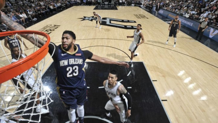 SAN ANTONIO, TX - MARCH 15: Anthony Davis #23 of the New Orleans Pelicans shoots the ball against the San Antonio Spurs on March 15, 2018 at the AT&T Center in San Antonio, Texas. NOTE TO USER: User expressly acknowledges and agrees that, by downloading and or using this photograph, user is consenting to the terms and conditions of the Getty Images License Agreement. Mandatory Copyright Notice: Copyright 2018 NBAE (Photos by Mark Sobhani/NBAE via Getty Images)