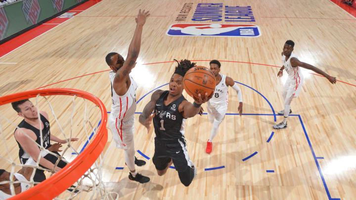 LAS VEGAS, NV – JULY 8: Lonnie Walker IV #1 of the San Antonio Spurs shoots the ball against the Toronto Raptors shoots the ball (Photo by David Dow/NBAE via Getty Images)