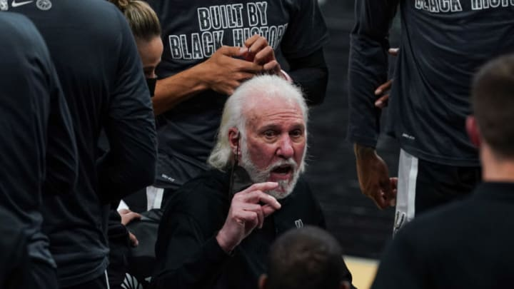 Feb 27, 2021; San Antonio, Texas, USA; San Antonio Spurs head coach Gregg Popovich talks to his team in the second against the New Orleans Pelicans at the AT&T Center. Mandatory Credit: Daniel Dunn-USA TODAY Sports