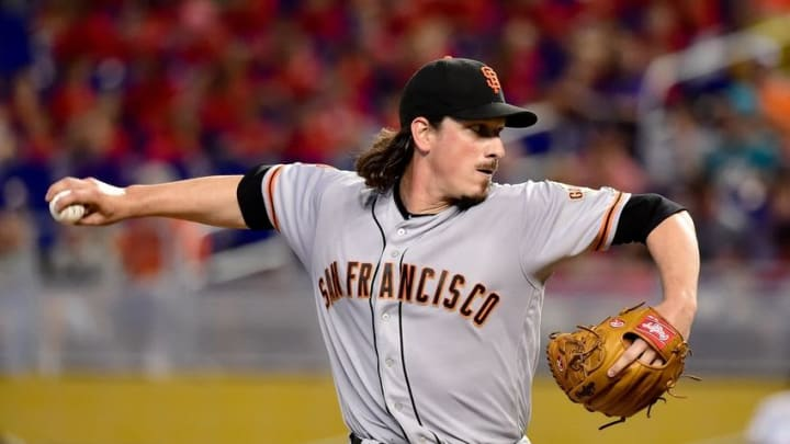 Aug 10, 2016; Miami, FL, USA; San Francisco Giants starting pitcher Jeff Samardzija (29) throws a pitch during the first inning against the Miami Marlins at Marlins Park. Mandatory Credit: Steve Mitchell-USA TODAY Sports