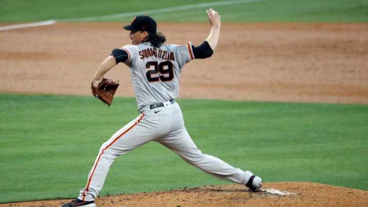 LOS ANGELES, CALIFORNIA - AUGUST 07: Jeff Samardzija #29 of the San Francisco Giants pitches against the Los Angeles Dodgers during the second inning at Dodger Stadium on August 07, 2020 in Los Angeles, California. (Photo by Katelyn Mulcahy/Getty Images)