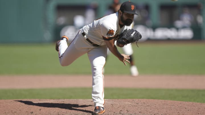 SAN FRANCISCO, CALIFORNIA - SEPTEMBER 17: Rico Garcia #39 of the San Francisco Giants pitches against the Seattle Mariners in the bottom of the six inning at Oracle Park on September 17, 2020 in San Francisco, California. (Photo by Thearon W. Henderson/Getty Images)