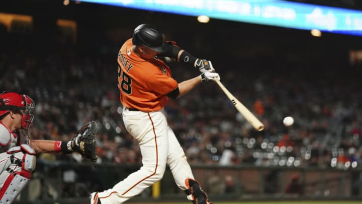 SAN FRANCISCO, CALIFORNIA - JUNE 18: Buster Posey #28 of the San Francisco Giants at bat against the Philadelphia Phillies at Oracle Park on June 18, 2021 in San Francisco, California. (Photo by Ben Green/Getty Images)