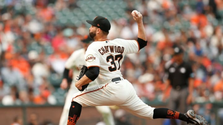 SAN FRANCISCO, CALIFORNIA - AUGUST 18: Tyler Chatwood #37 of the San Francisco Giants pitches against the New York Mets at Oracle Park on August 18, 2021 in San Francisco, California. (Photo by Lachlan Cunningham/Getty Images)