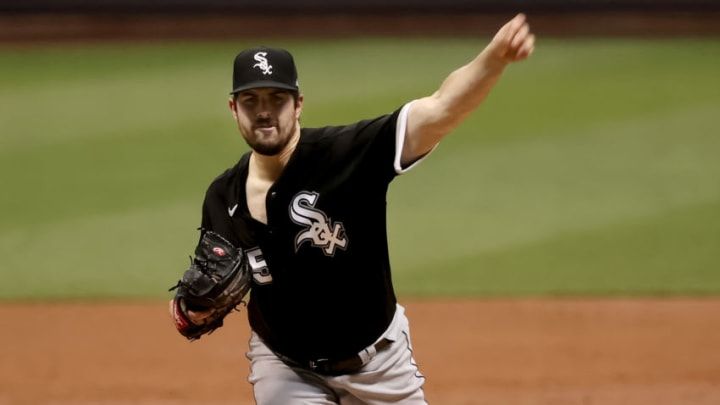 MILWAUKEE, WISCONSIN - AUGUST 03: Carlos Rodon #55 of the Chicago White Sox pitches in the second inning against the Milwaukee Brewers at Miller Park on August 03, 2020 in Milwaukee, Wisconsin. (Photo by Dylan Buell/Getty Images)