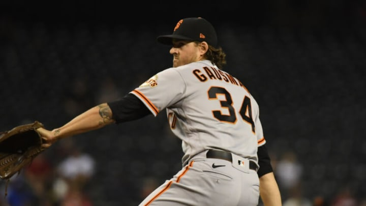 PHOENIX, ARIZONA - AUGUST 04: Kevin Gausman #34 of the SF Giants delivers a pitch against the Arizona Diamondbacks at Chase Field on August 04, 2021 in Phoenix, Arizona. (Photo by Norm Hall/Getty Images)