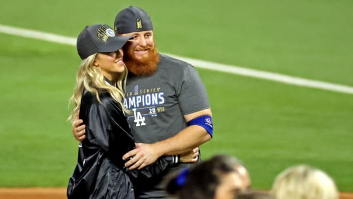 Dodgers third baseman Justin Turner poses without a mask for a picture with his wife Kourtney Pogue after testing positive for COVID-19. (Kevin Jairaj-USA TODAY Sports)
