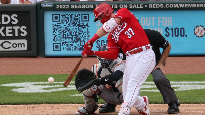 Tyler Stephenson #37 of the Cincinnati Reds grounds out.