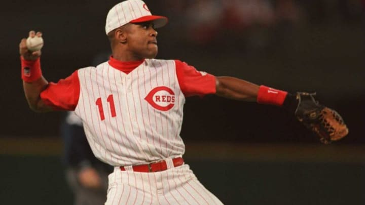 10 Oct 1995: Shortstop Barry Larkin in action during the Reds 2-1 loss to the Atlanta Braves in the National League Championship Series at Riverfront Stadium in Cincinnati, Ohio. Mandatory Credit: Jed Jacobsohn/ALLSPORT