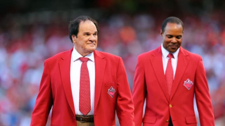CINCINNATI, OH - JULY 14: Former Cincinnati Reds Pete Rose and Barry Larkin walk on the field prior to the 86th MLB All-Star Game at the Great American Ball Park on July 14, 2015 in Cincinnati, Ohio. (Photo by Elsa/Getty Images)