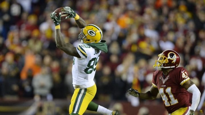 Jan 10, 2016; Landover, MD, USA; Green Bay Packers wide receiver James Jones (89) catches the ball in front of Washington Redskins cornerback Will Blackmon (41) during the first half in a NFC Wild Card playoff football game at FedEx Field. Mandatory Credit: Tommy Gilligan-USA TODAY Sports