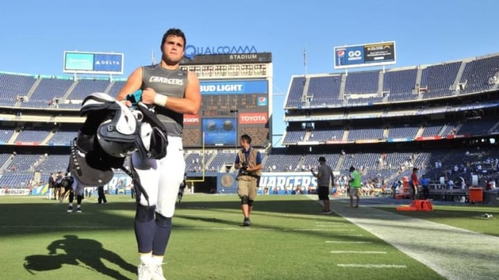 Sep 18, 2016; San Diego, CA, USA; San Diego Chargers tight end Hunter Henry (86) walks off the field following the game against the Jacksonville Jaguars at Qualcomm Stadium. San Diego won 38-14. Mandatory Credit: Orlando Ramirez-USA TODAY Sports