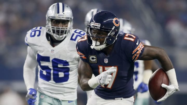 Sep 25, 2016; Arlington, TX, USA; Chicago Bears wide receiver Alshon Jeffery (17) runs after a catch as Dallas Cowboys linebacker Justin Durant (56) pursues in the second quarter at AT&T Stadium. Mandatory Credit: Tim Heitman-USA TODAY Sports