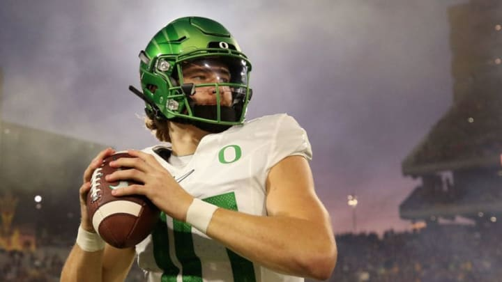 TEMPE, ARIZONA - NOVEMBER 23: Quarterback Justin Herbert #10 of the Oregon Ducks warms up before the NCAAF game against the Arizona State Sun Devils at Sun Devil Stadium on November 23, 2019 in Tempe, Arizona. (Photo by Christian Petersen/Getty Images)