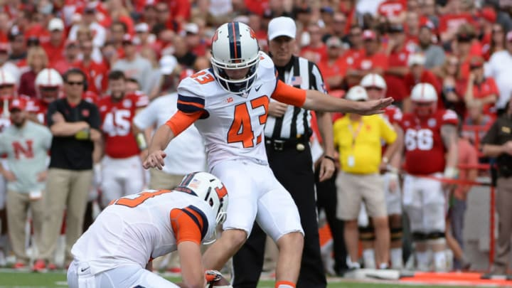LINCOLN, NE - OCTOBER 01: Place kicker Chase McLaughlin #43 of the Illinois Fighting Illini attempts a kick against the Nebraska Cornhuskers at Memorial Stadium on October 1, 2016 in Lincoln, Nebraska. (Photo by Steven Branscombe/Getty Images)