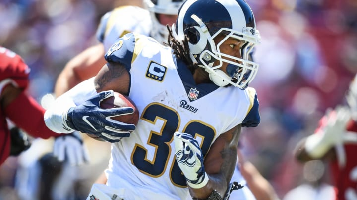 LOS ANGELES, CA – SEPTEMBER 16: Running back Todd Gurley #30 of the Los Angeles Rams carries in the first quarter against the Arizona Cardinals at Los Angeles Memorial Coliseum on September 16, 2018 in Los Angeles, California. (Photo by Harry How/Getty Images)