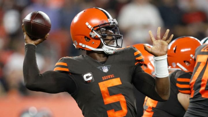 CLEVELAND, OH - SEPTEMBER 20: Tyrod Taylor #5 of the Cleveland Browns throws a pass during the second quarter against the New York Jets at FirstEnergy Stadium on September 20, 2018 in Cleveland, Ohio. (Photo by Joe Robbins/Getty Images)