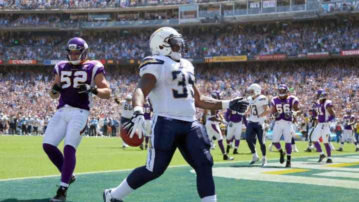 SAN DIEGO, CA – SEPTEMBER 11: Runningback Mike Tolbert #35 of the San Diego Chargers makes a touchdown catch against the Minnesota Vikings during their season opener on September 11, 2011 at Qualcomm Stadium in San Diego, California. (Photo by Donald Miralle/Getty Images)