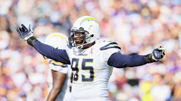 SAN DIEGO, CA – SEPTEMBER 11: Linebacker Shaun Phillips #95 of the San Diego Chargers encourages fans to cheer against the Minnesota Vikings at Qualcomm Stadium on September 11, 2011 in San Diego, California. (Photo by Jeff Gross/Getty Images)