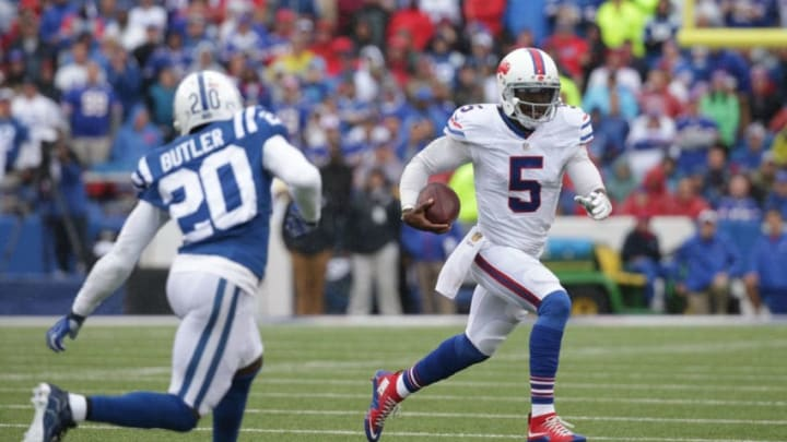 ORCHARD PARK, NY - SEPTEMBER 13: Tyrod Taylor #5 of the Buffalo Bills scrambles outside the pocket as Darius Butler #20 of the Indianapolis Colts defends during the first half at Ralph Wilson Stadium on September 13, 2015 in Orchard Park, New York. (Photo by Brett Carlsen/Getty Images)