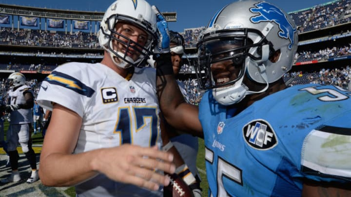 SAN DIEGO, CA - SEPTEMBER 13: Quarterback Philip Rivers #17 of the San Diego Chargers shakes hands with middle linebacker Stephen Tulloch #55 of the Detroit Lions after the Chargers defeated the Lions 33-28 at Qualcomm Stadium on September 13, 2015 in San Diego, California. (Photo by Donald Miralle/Getty Images)