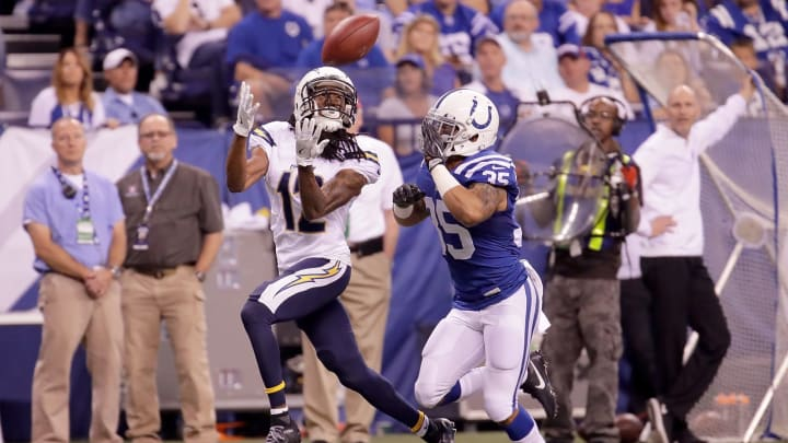 INDIANAPOLIS, IN – SEPTEMBER 25: Travis Benjamin #12 of the San Diego Chargers catches the ball during the game against the Indianapolis Colts at Lucas Oil Stadium on September 25, 2016 in Indianapolis, Indiana. (Photo by Andy Lyons/Getty Images)