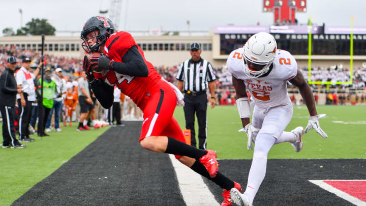 LUBBOCK, TX - NOVEMBER 05: Dylan Cantrell #14 of the Texas Tech Red Raiders cannot stay inbounds to complete the catch during the game against the Texas Longhorns on November 5, 2016 at AT&T Jones Stadium in Lubbock, Texas. Texas defeated Texas Tech 45-37. (Photo by John Weast/Getty Images)