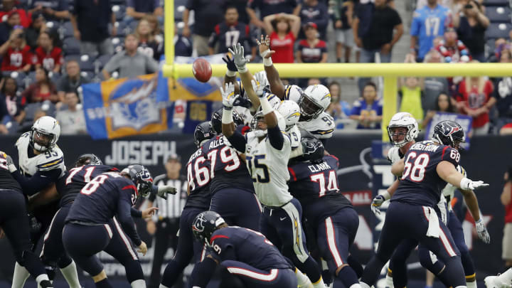 HOUSTON, TX – NOVEMBER 27: Nick Novak #8 of the Houston Texans kicks a 45 yard field goal in the fourth quarter against the San Diego Chargers at NRG Stadium on November 27, 2016 in Houston, Texas. (Photo by Tim Warner/Getty Images)
