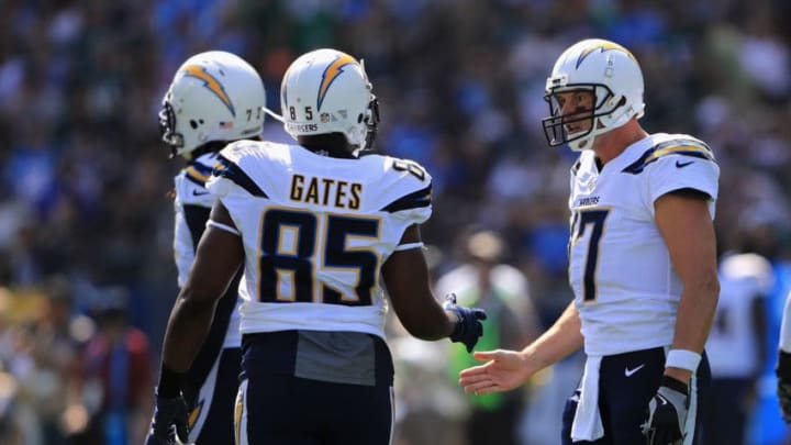 CARSON, CA - OCTOBER 01: Philip Rivers #17 talks with Antonio Gates #85 of the Los Angeles Chargers over a broken play during the first half of a game against the Philadelphia Eagles at StubHub Center on October 1, 2017 in Carson, California. (Photo by Sean M. Haffey/Getty Images)