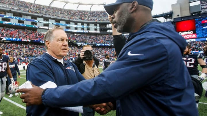 FOXBORO, MA - OCTOBER 29: Head coach Bill Belichick of the New England Patriots shakes hands with head coach Anthony Lynn of the Los Angeles Chargers after a game at Gillette Stadium on October 29, 2017 in Foxboro, Massachusetts. (Photo by Jim Rogash/Getty Images)