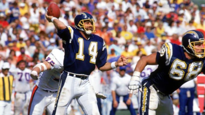SAN DIEGO, CA: Quarterback Dan Fouts