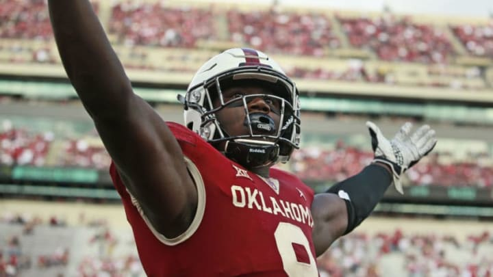 NORMAN, OK - SEPTEMBER 29: Linebacker Kenneth Murray #9 of the Oklahoma Sooners gestures to the crowd after a roughing the passer call during the game against the Baylor Bears at Gaylord Family Oklahoma Memorial Stadium on September 29, 2018 in Norman, Oklahoma. Oklahoma defeated Baylor 66-33. (Photo by Brett Deering/Getty Images)