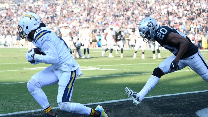 OAKLAND, CA – NOVEMBER 11: Keenan Allen #13 of the Los Angeles Chargers catches an 11-yard touchdown against the Oakland Raiders during their NFL game at Oakland-Alameda County Coliseum on November 11, 2018 in Oakland, California. (Photo by Thearon W. Henderson/Getty Images)