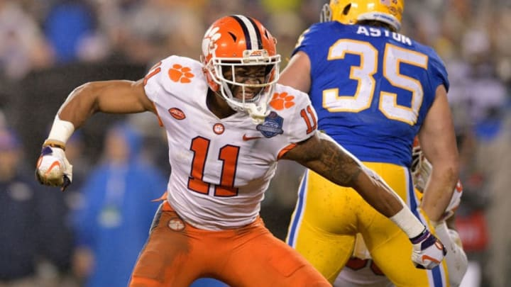 CHARLOTTE, NC - DECEMBER 01: Isaiah Simmons #11 of the Clemson Tigers reacts against the Pittsburgh Panthers in the second quarter during their game at Bank of America Stadium on December 1, 2018 in Charlotte, North Carolina. (Photo by Grant Halverson/Getty Images)