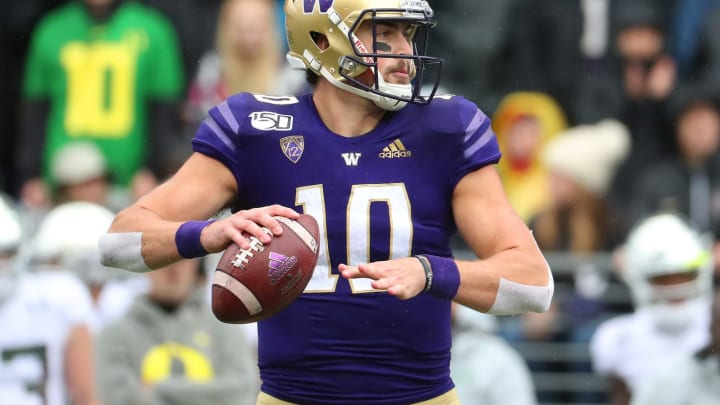 SEATTLE, WASHINGTON – OCTOBER 19: Jacob Eason #10 of the Washington Huskies throws the ball against the Oregon Ducks in the first quarter during their game at Husky Stadium on October 19, 2019, in Seattle, Washington. (Photo by Abbie Parr/Getty Images)