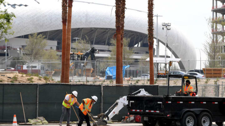 INGLEWOOD, CALIFORNIA - MARCH 31: Construction at SoFi Stadium continues amidst the COVID-19 pandemic on March 31, 2020 in Inglewood, California. (Photo by Harry How/Getty Images)