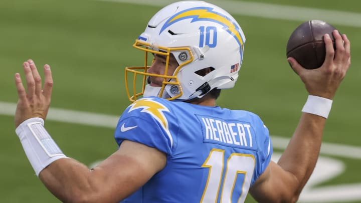 (Photo by Sean M. Haffey/Getty Images) – LA Chargers Justin Herbert