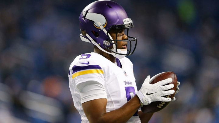 DETROIT, MI – DECEMBER 14: Teddy Bridgewater #5 of the Minnesota Vikings warms up prior to the start of the game against the Detroit Lions at Ford Field on December 14, 2014, in Detroit, Michigan. The Lions defeated the Vikings 16-14. (Photo by Leon Halip/Getty Images)