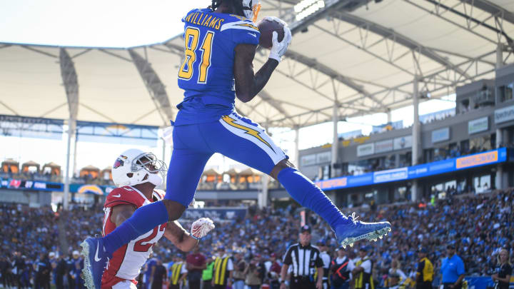 CARSON, CA – NOVEMBER 25: Wide receiver Mike Williams #81 of the Los Angeles Chargers makes a catch for a touchdown in front of cornerback Bene' Benwikere #23 of the Arizona Cardinals to trail 10-7 in the second quarter at StubHub Center on November 25, 2018 in Carson, California. (Photo by Harry How/Getty Images)