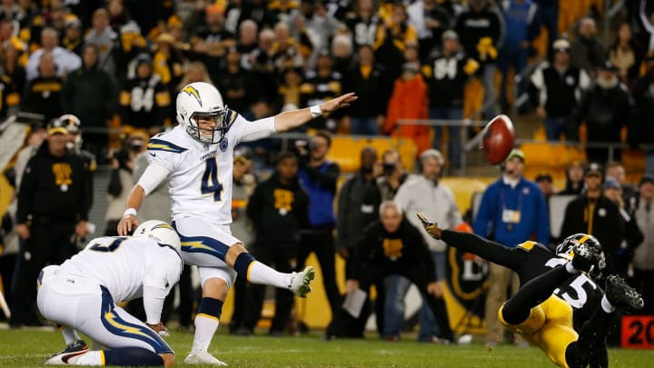 PITTSBURGH, PA – DECEMBER 02: Mike Badgley #4 of the Los Angeles Chargers kicks the game-winning field goal with no time left on the clock in the fourth quarter during the game against the Pittsburgh Steelers at Heinz Field on December 2, 2018, in Pittsburgh, Pennsylvania. (Photo by Justin K. Aller/Getty Images)