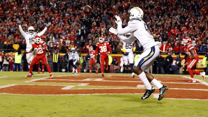 KANSAS CITY, MISSOURI – DECEMBER 13: Wide receiver Mike Williams #81 of the Los Angeles Chargers catches a two-point conversion with 4 seconds remaining in the game to put the Chargers up 29-28 on the Kansas City Chiefs at Arrowhead Stadium on December 13, 2018, in Kansas City, Missouri. (Photo by David Eulitt/Getty Images)