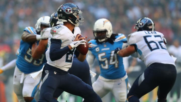 LONDON, ENGLAND - OCTOBER 21: quarterback Marcus Mariota #8 of the Tennessee Titans looks to pass during an NFL game against the Los Angeles Chargers at Wembley Stadium on October 21, 2018 in London, United Kingdom. (Photo by Mitchell Gunn/Getty Images)