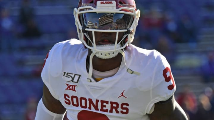 MANHATTAN, KS - OCTOBER 26: Linebacker Kenneth Murray #9 of the Oklahoma Sooners works out before a game against the Kansas State Wildcats at Bill Snyder Family Football Stadium on October 26, 2019 in Manhattan, Kansas. (Photo by Peter G. Aiken/Getty Images)