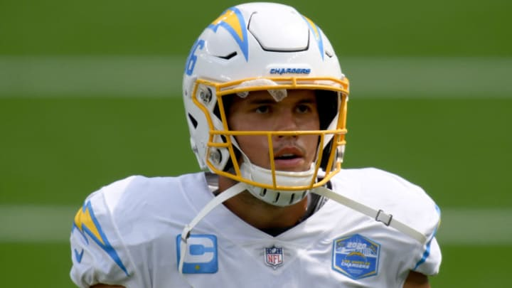 INGLEWOOD, CALIFORNIA - SEPTEMBER 20: Hunter Henry #86 of the Los Angeles Chargers during warm up before the game against the Kansas City Chiefs at SoFi Stadium on September 20, 2020 in Inglewood, California. (Photo by Harry How/Getty Images)