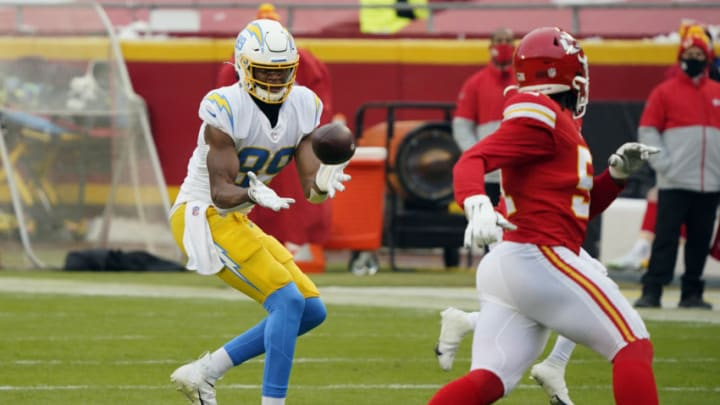 Jan 3, 2021; Kansas City, Missouri, USA;Los Angeles Chargers tight end Donald Parham (89) catches a pass against the Kansas City Chiefs during the first half at Arrowhead Stadium. Mandatory Credit: Jay Biggerstaff-USA TODAY Sports