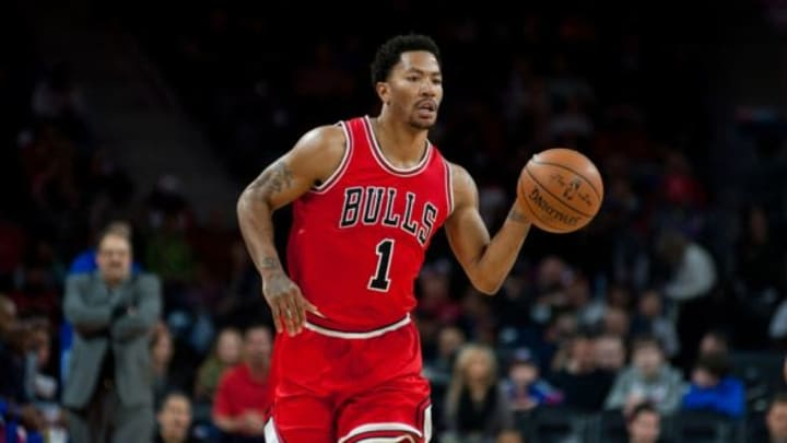 Feb 20, 2015; Auburn Hills, MI, USA; Chicago Bulls guard Derrick Rose (1) brings the ball up court against the Detroit Pistons during the first quarter at The Palace of Auburn Hills. Mandatory Credit: Tim Fuller-USA TODAY Sports
