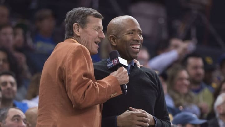 March 29, 2016; Oakland, CA, USA; TNT broadcasters Craig Sager (left) and Kenny Smith (right) smile during the fourth quarter between the Golden State Warriors and the Washington Wizards at Oracle Arena. The Warriors defeated the Wizards 102-94. Mandatory Credit: Kyle Terada-USA TODAY Sports