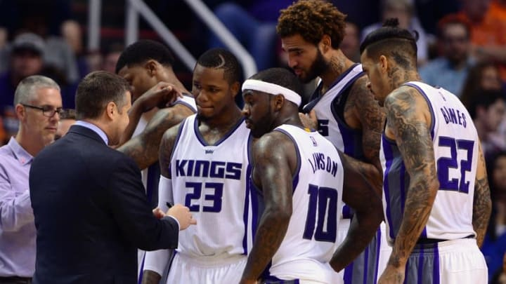 Oct 26, 2016; Phoenix, AZ, USA; Sacramento Kings head coach David Joerger talks with guard Ben McLemore (23), guard Ty Lawson (10), center Willie Cauley-Stein (00) and forward Matt Barnes (22) during the second half of the game against the Phoenix Suns at Talking Stick Resort Arena. The Kings defeated the Suns 113-94. Mandatory Credit: Jennifer Stewart-USA TODAY Sports
